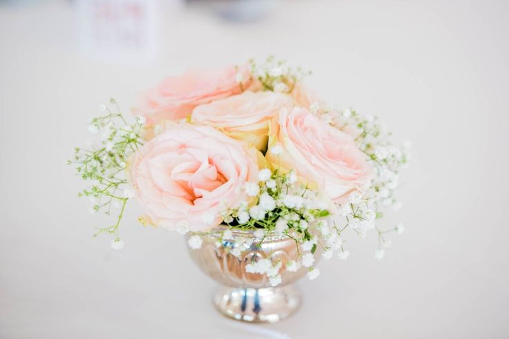 Monte Vista Venue silver rose bowl main table decor with mixed flowers in for a pink and gold wedding