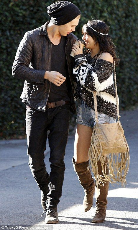 Austin Butler and Vanessa Hudgens. I wish that me & my future boyfriend will look this stylish & adorable while walking together haha