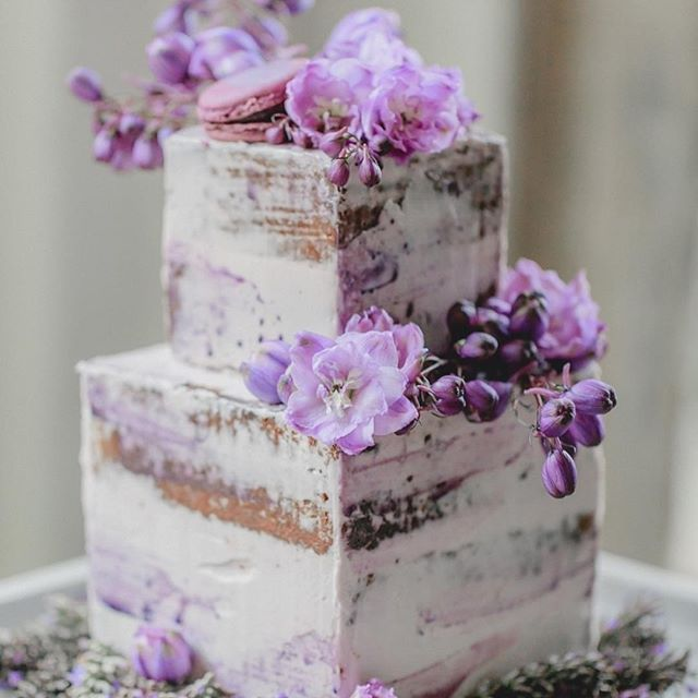 I had a chocolate wedding cake, nude cakes were not heard of then but I would love one