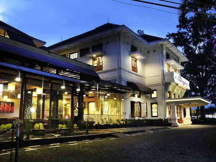Sawunggaling Hotel commands an excellent location and provides access to the city's biggest attractions, an ideal place of stay for travelers seeking charm, comfort and convenience in Bandung