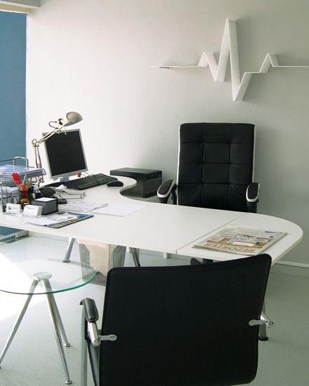 Εσωτερική διακόσμηση γραφείου ιατρείου. Δείτε περισσότερα έργα μας στο  http://www.artease.gr/interior-design/emporikoi-xoroi/