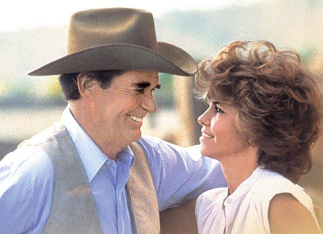 James Garner as Murphy Jones    -- and Sally Field as Emma Moriarty   --- in Murphy's Romance: James Of Arci, First Time, Google Search, Favorite Movies, James D'Arcy, My Life, James Garner, Sally Fields, Murphy Romances