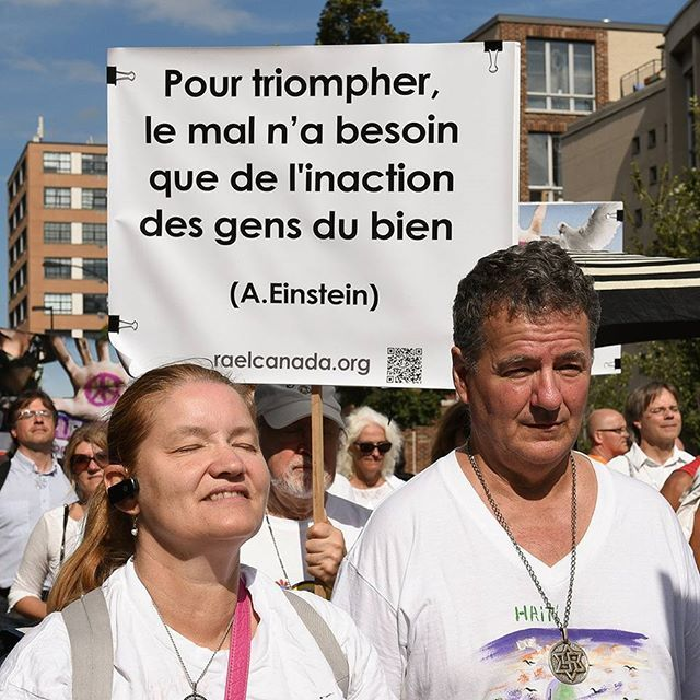 Meditate 1min4peace Activity in Montreal 🌎❤💑 https://raelcanada.org/lets-ban-nuclear-weapons/  #Peace #NuclearBan #BanNuclearWeapons #ICAN
