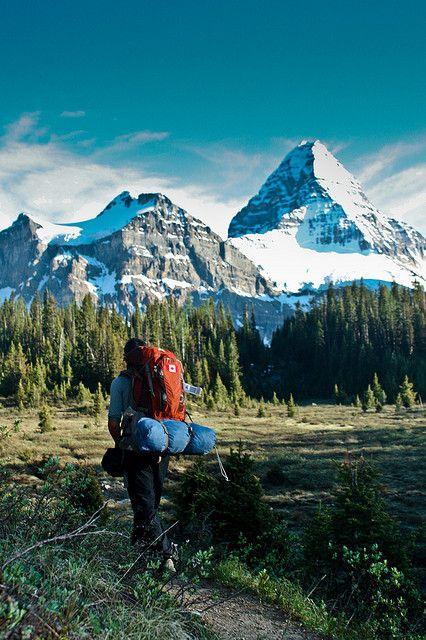 What a beautiful place to hike.  Please follow us @ http://www.pinterest.com/jeniferkane01/