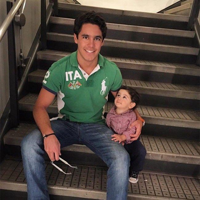El hijo de Eduardo Capetillo y Bibi Gaytán es amante del motocross, los animales y la naturaleza.