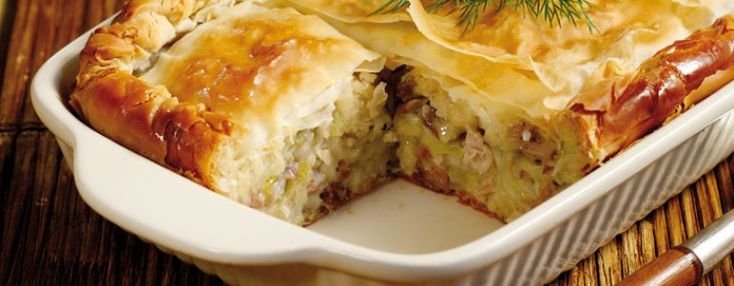 I've said it before and I'll say it again... I love pies. Apart from the fact they are a delicious comfort food that you can enjoy cold the next day or eat with your hands in front of the TV,and they are always a great choice for any meal.