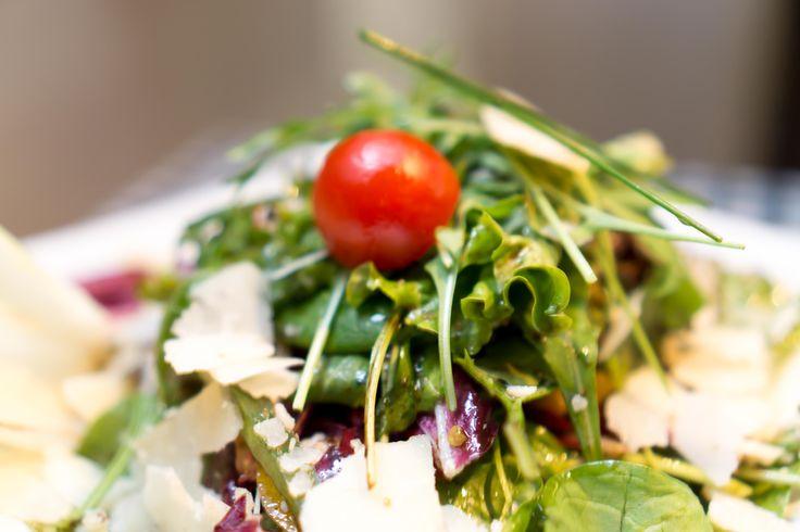 Πράσινη Σαλάτα με Παρμεζάνα..!! #FruttiDiMare #SeaFood #Restaurant #Thessaloniki