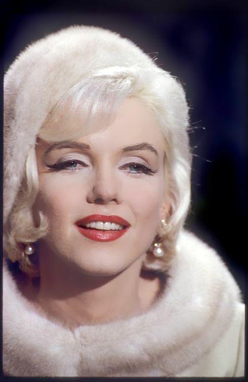 eternalmarilynmonroe:      Marilyn Monroe as Ellen Wagstaff Arden in Something's Got to Give, 1962.