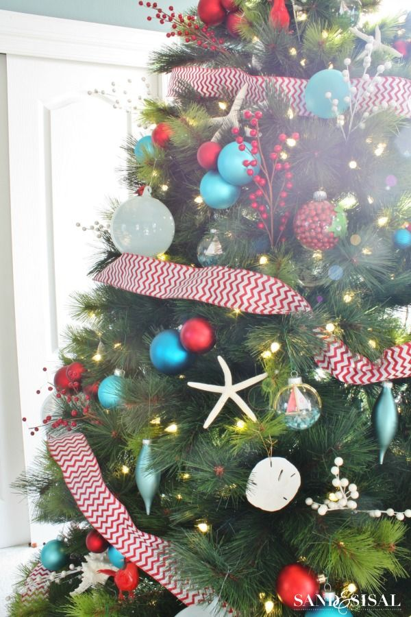 Red and Turquoise Christmas Tree: