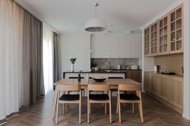 Salon z kuchnią. Apartament na Bielanach. Jadalnia.   #diningroom #kitchen #livingroom #architecture #interiors #interiordesign #tryc  #JacekTryc