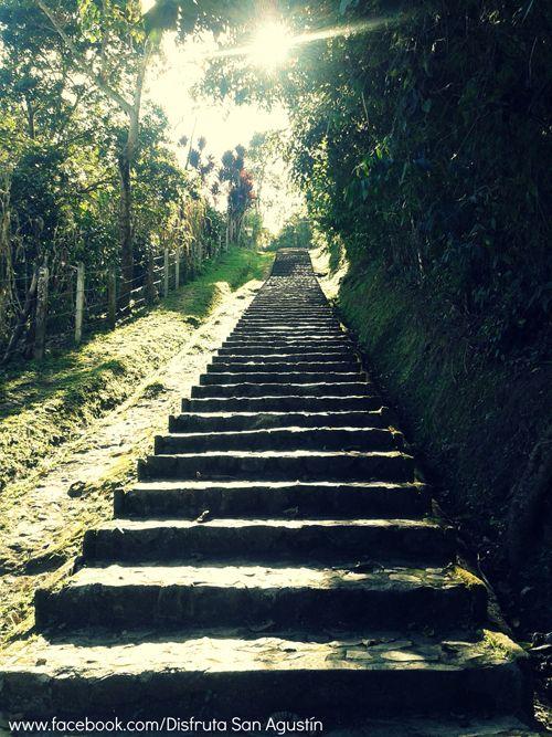 Ascenso al Alto del Lavapatas. Parque Arqueológico de San Agustín