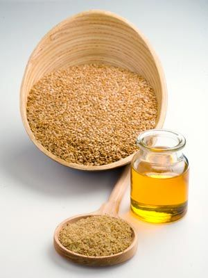 Grow your Lashes- Put Flax Seed Oil on a Q-tip, apply to lashes nightly.: It Cosmetics, Health Food, Flax Seeds, Natural Beautiful, Seeds Oil, Flaxs Oil, Lashes Growth, Health Benefits, Dabs Flax