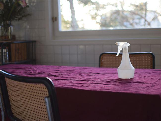 För vem vill inte ha en riktigt fin struken linneduk om man dukar till fin middag?