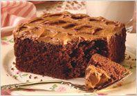 Шоколадный бисквитный торт с карамельным кремом