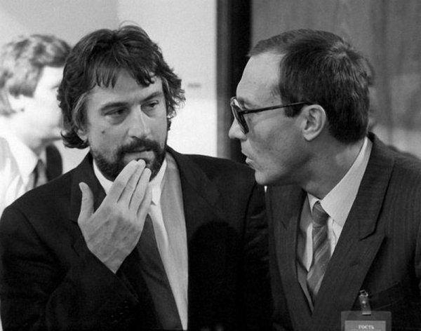 Роберт Де Ниро и Олег Янковский на Московском Международном кинофестивале, 1987 год. люди, редкие, фото