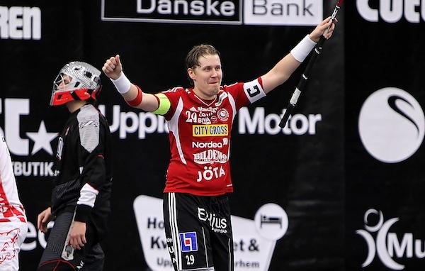 Best player ever!   3. Mika Kohonen, Storvreta. Stark hänförare i Storvreta som gjorde 5-3 i öppen kasse samt spelade fram till 2 mål. Är nästan alltid bra, speciellt i de svåra matcherna.