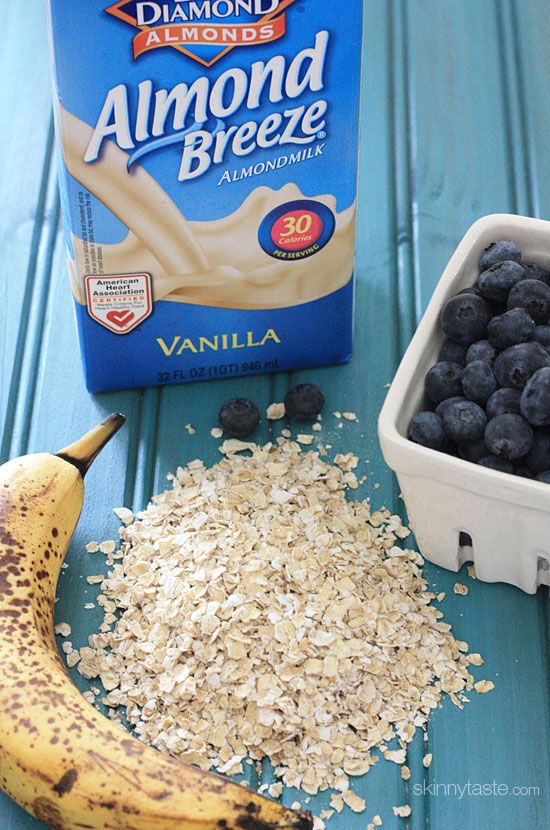 Blueberry Banana Oatmeal Smoothie | Skinnytaste-I'm having this for breakfast tomorrow.  But, I am not going to cook the oatmeal.