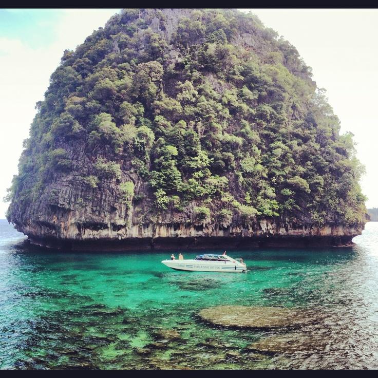 Maya beach, Phi Phi Island. Phuket. Thailand