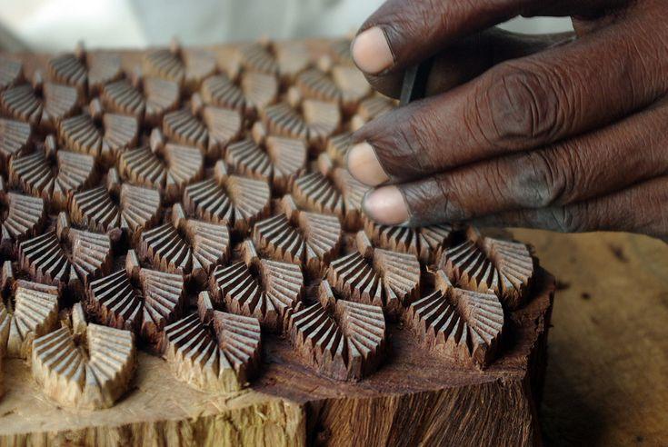 Wooden block Inde  Sculpture de blocs de bois destiné à limpression de tissus (Jaipur, Rajasthan)
