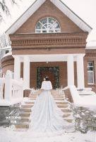 Белая накидка из норки для невесты от дизайн-студии Скорняковой. Свадебная зимняя фотосессия    #white #mink #fur #luxury #couture #designer #wedding #bride Накидка из норки, норковая