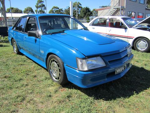 50 best service manual images on pinterest repair manuals cars holden commodore calais vk series service repair manual 1984 1985 1986 download fandeluxe Image collections