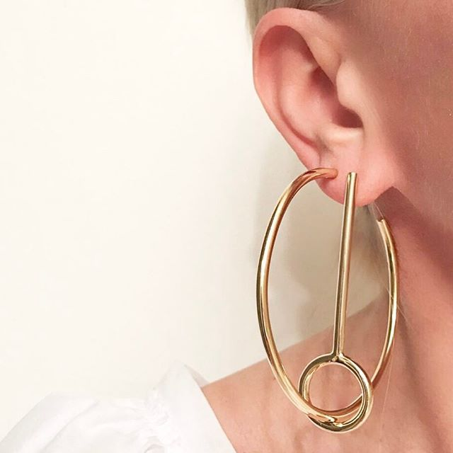 When You Want To Add A Little Something To Your Classic Hoops Tonight I Took One Of The Circle Stick Earrings And Threaded The Classic Hoop Through To Create A Mismatched Statement Hoop #Fall17 #jenniferfisher #linkinbio