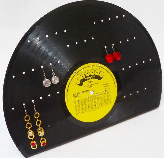 Schmuckständer & -halter - Schmuckständer aus Schallplatte Schmuckhalterung  - ein Designerstück von Aurum bei DaWanda