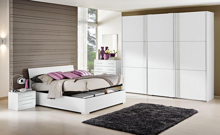 Scopri l'eleganti linee della camera matrimoniale Eleonora con armadio scorrevole in bianco larice.