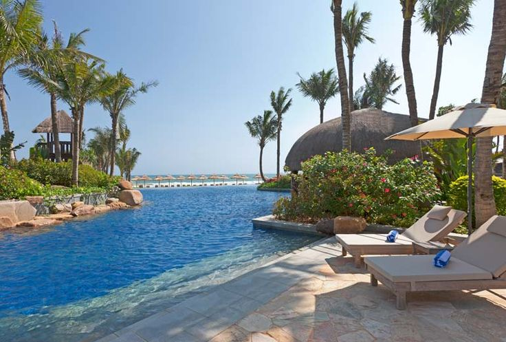 Follow Us Around the Hotels in Sanya! (17-2) Four Points by Sheraton Shenzhou Peninsula – Lagoon Pool. #sanyarepin #sanyaheartstohearts