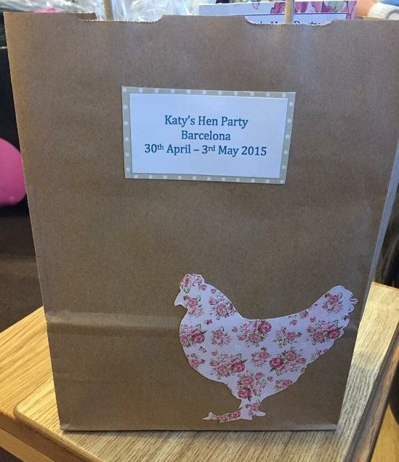 Personalised Hen Party Gift Bag. Size: 180 x 240 x 80mm  The pattern of the hen will be a random choice from one of the patterns in the second