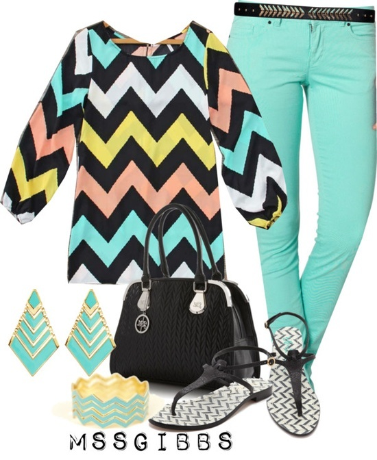 Chevron everywhere! Adorable outfit with a splash of color and fitted mint jeans. Love the sandals and jewelry!