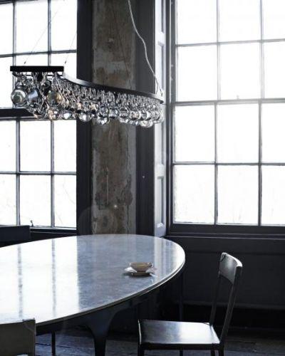 Taklampe fra den ekslusive lampeleverandøre Ochre. Kommer i to utførelser; glass/nikkel og glass/bronse. Ta kontakt for mer informasjon og priser.