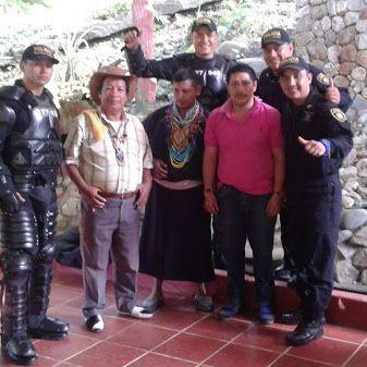Nuestro ESMAD compartiendo con comunidades indígenas. #UnCompromisoDeCorazón POLICIA DE COLOMBIA - Google+