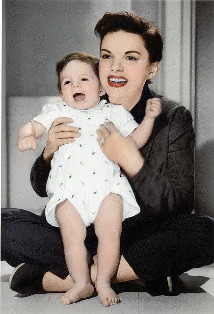 Judy Garland and daughter Liza...beautiful photo of them!