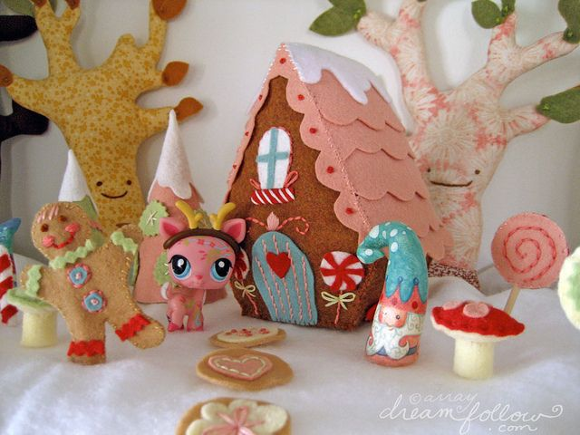 christmas candylandCandyland Christmas, Funky Felt, Christmas Fun, Christmas Candyland, Felt Gingerbread, Felt Fun, Fun Felt, Gingerbread Houses, Christmas Ideas