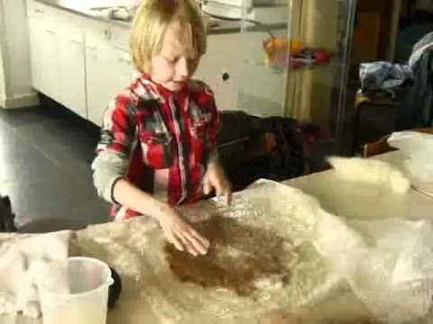 Silvester_de_Vilter.wmv vilt maken, kinderen, felt making kids