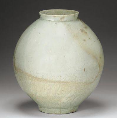 Korean moon jar, Choson period (18th Century)