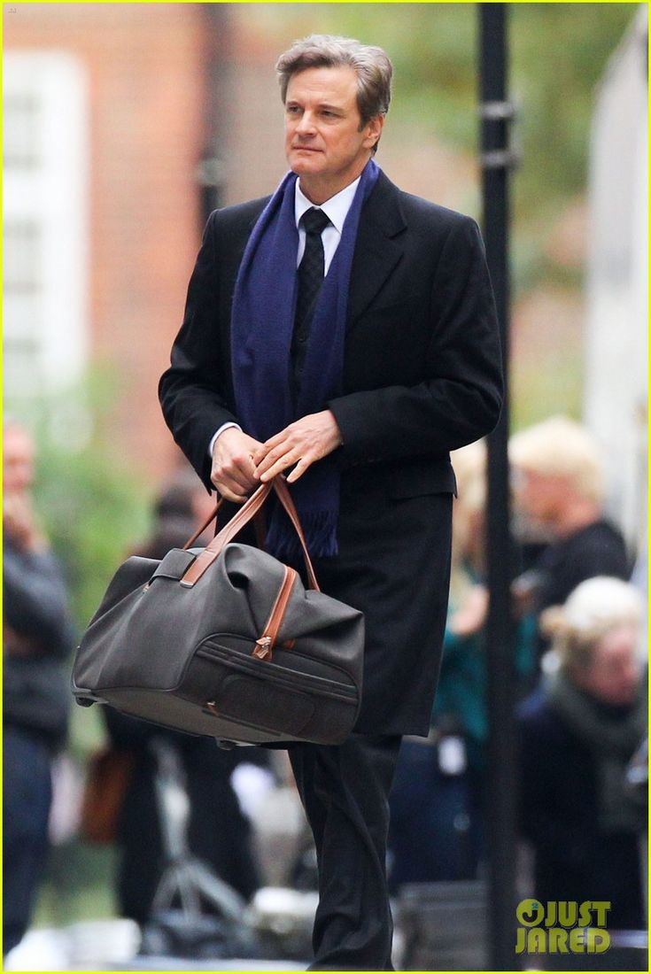 Colin Firth Films 'Bridget Jones's Baby' on Thursday in London England – First Look Photos! (October 8, 2015)