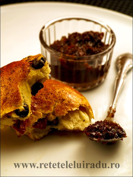 Confiture d'olives with fougasse (bread containing olives and sun-dried tomatoes)