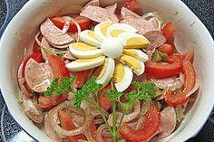 Bayerischer Wurstsalat - Bavarian sausage salad - find german recipes in English on www.mybestgermanrecipes.com