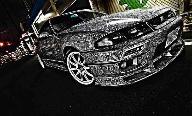 What do you get if you cross a Nissan Skyline GTR with one super-artistic girlfriend and an unlimited supply of Sharpie marker pens? Unique custom paintwork!