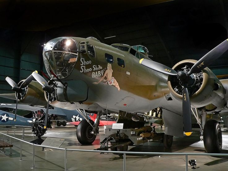 Shoo Shoo Shoo Baby B-17 at the National Museum of the United States Air Force in Dayton, Ohio. /// Shoo Shoo Shoo Baby dont le nom vient de la fameuse chanson de Glenn Miller.