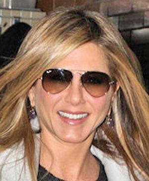 bad3a36db2 Jennifer Aniston In Ray Ban Sunglasses « Heritage Malta