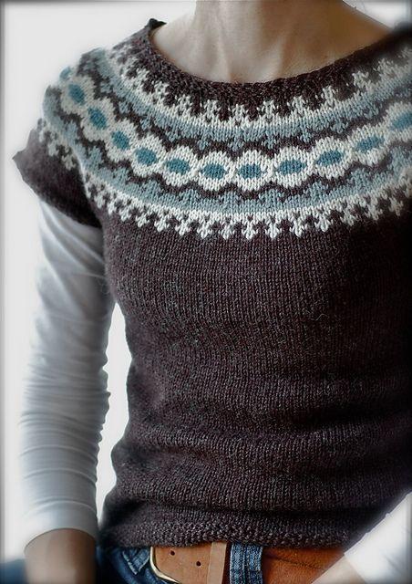 Létt-Lopi Vest by Védís Jónsdóttir, as knit by Sheepurls. Free on Ravelry!!