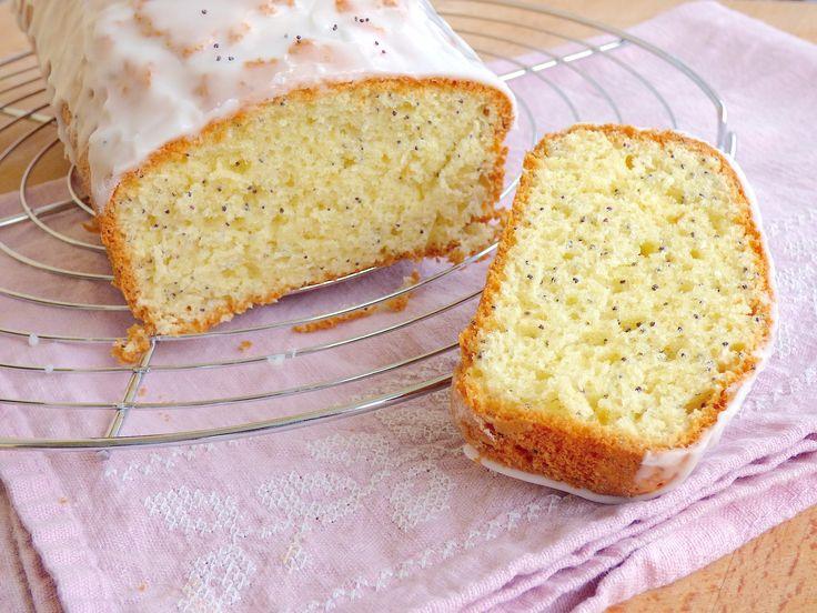 La fameuse recette du Cake au Citron et au Pavot. Un classique ! Terriblement moelleux :-)