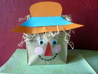 Kreatív ötletek gyerekeknek: Madárijesztő    http://www.hobbycenter.hu/Evszakok/madarijeszt.html#axzz2LcbHEtGO