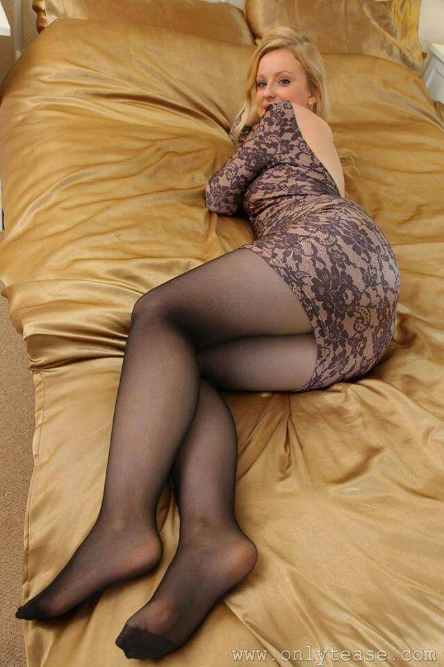 Even Wearing Pantyhose L 7