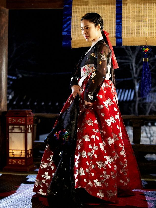 한복 Hanbok / Gorgeous red and black hanbok