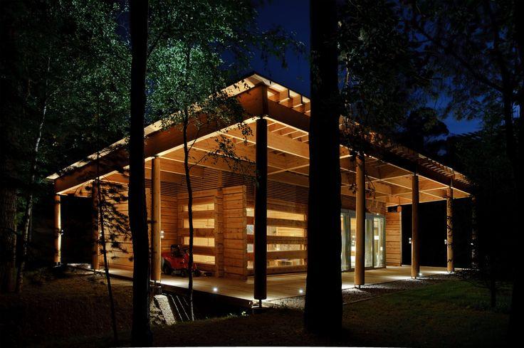 Свет — естественный и искусственный — активный элемент архитектуры экстерьера и интерьера.