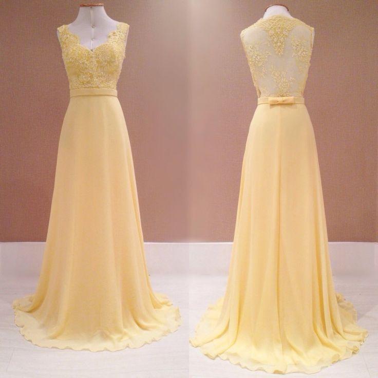 A dica de hoje é de vestido para mães dos noivos, para que elas também brilhem no altar!